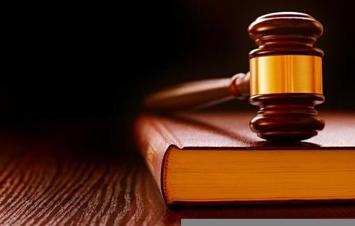 داستان کوتاه جلوی قانون
