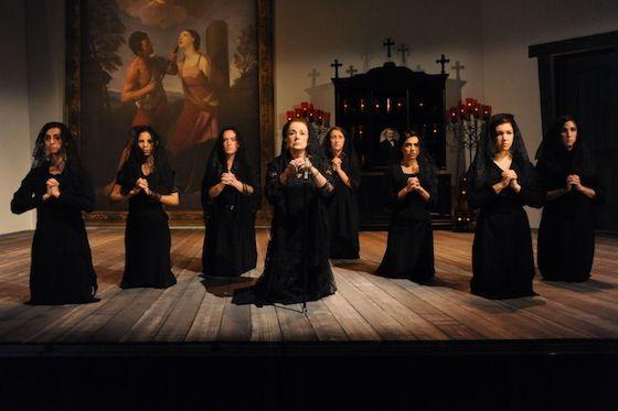 نمایشنامه خانه برناردا آلبا
