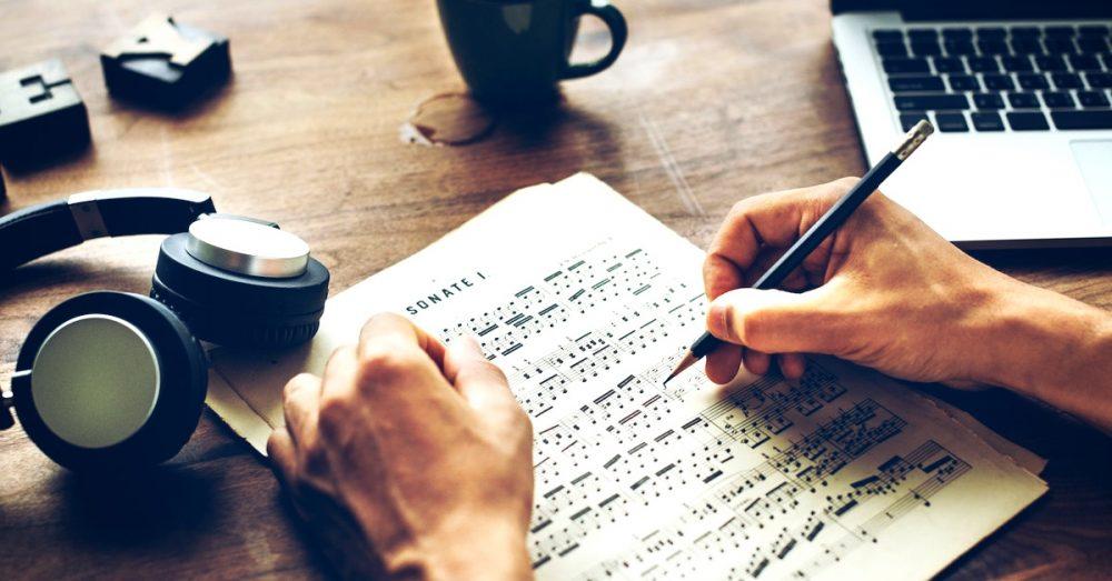 نوشتن آهنگ